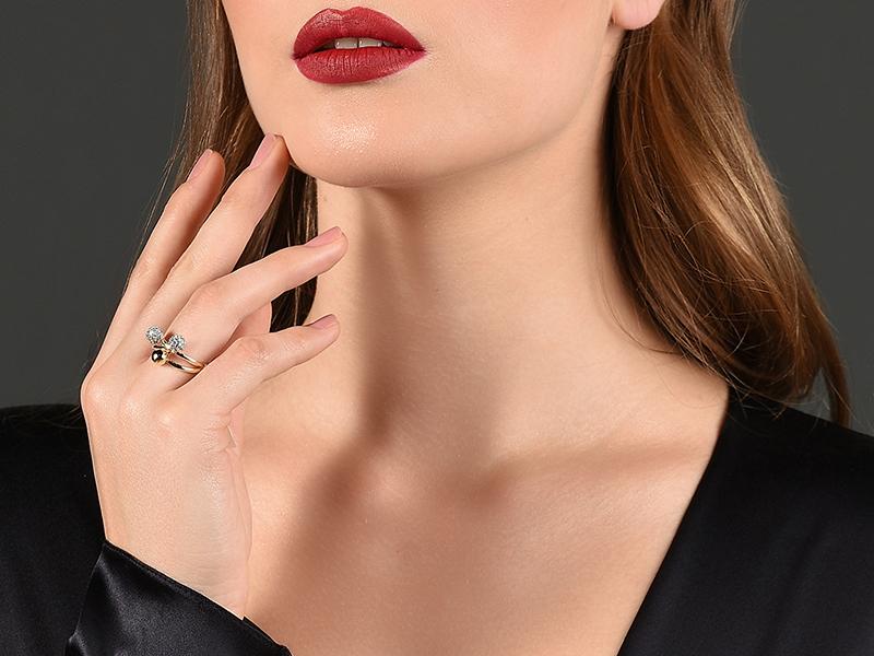 Free MAC Red lipstick